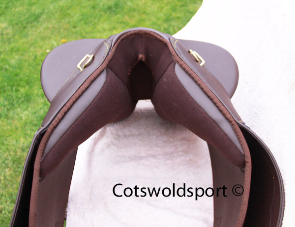 https://www.cotswoldsport.co.uk/Main-Shop/pics/e/ek/StockSad_5.jpg